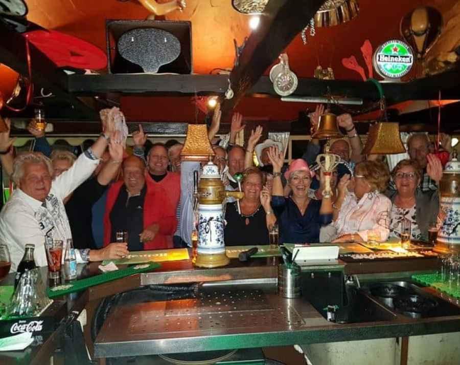 De Fraja Hut: café - bar in de Cita met de allerleukste horeca ondernemers - Wat voor publiek komt in de Fraja hut?