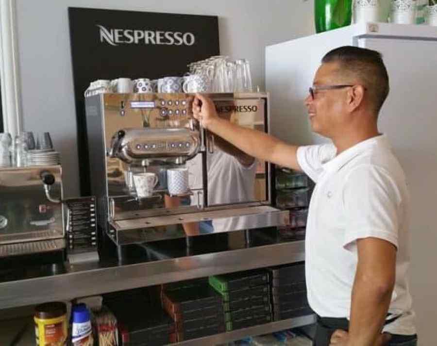 Emigreren Gran Canaria - Mi Casa - Must-try eetzaakje op Gran Canaria - Frank Hildebrand - Nespresso Koffiemachine