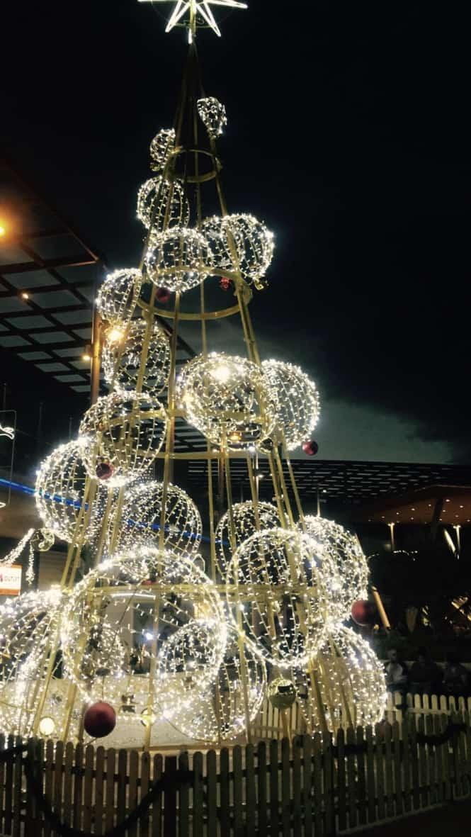 Emigreren Gran Canaria - Winkelcentrum Las Terrazas - Shoppen in kerstsfeer - Kerstboom Las Terrazas