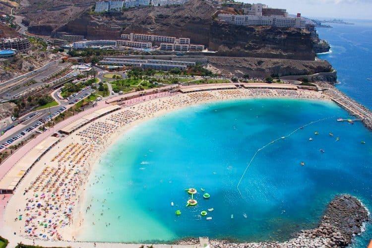 Emigreren Gran Canaria - Budget vakantie Gran Canaria - 10 tips om geld te besparen - Amadores Beach - Flickr via elcoleccionistadeinstantes