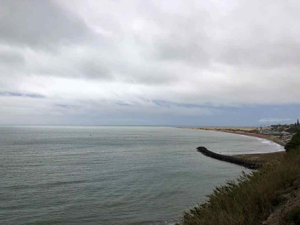 Emigreren Gran Canaria - Op vakantie naar Gran Canaria - Reisverslag deel 1 - Playa del Ingles strand bewolkt