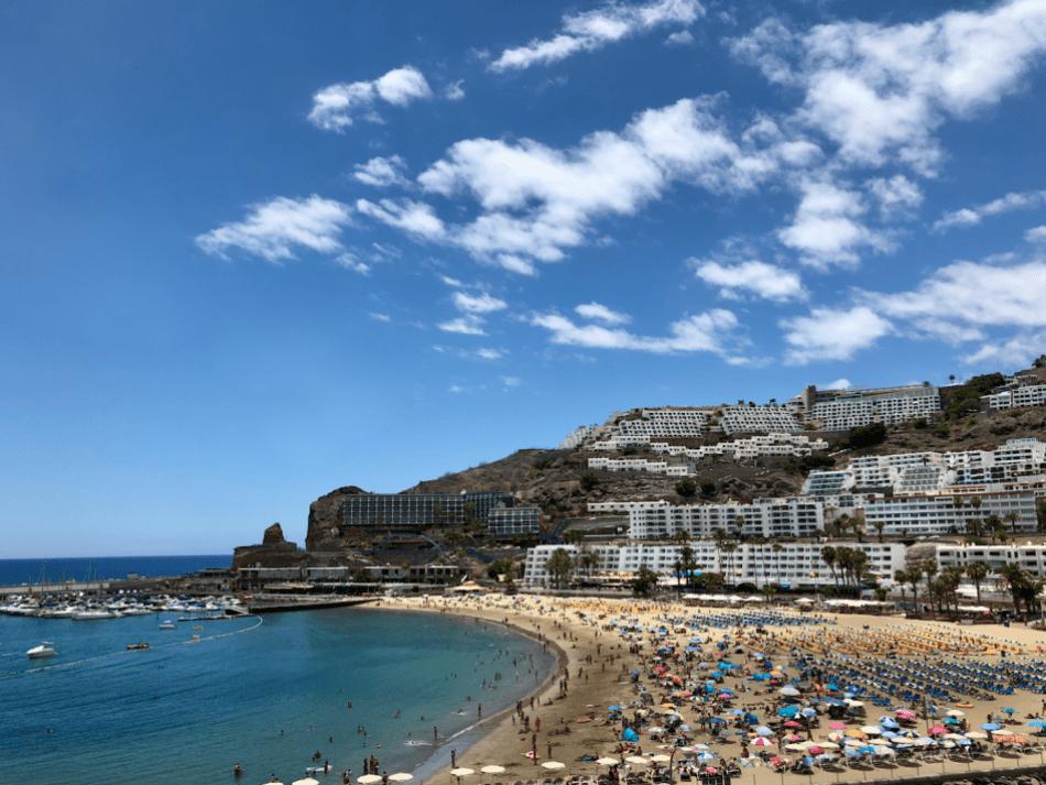 Vakantie tips - 10 stranden op Gran Canaria die je bezocht moet hebben - Puerto Rico strand Gran Canaria
