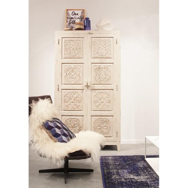 DULAPUL PERFECT dulap-cu-aspect-antichizat-sculptat-manual-alb-hk-living_10936