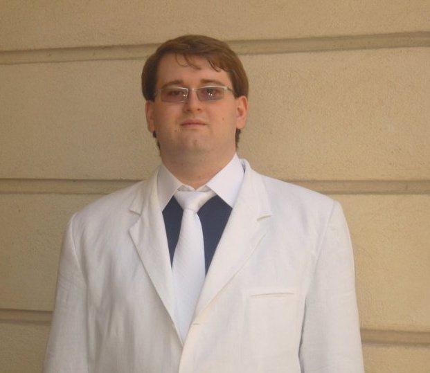 Emil Calinescu poza cu cravata