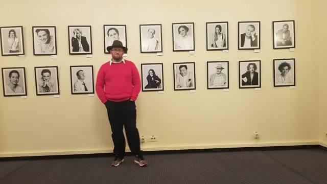 Ingrijirea hainelor si a incaltarilor Emil Calinescu pulover roz