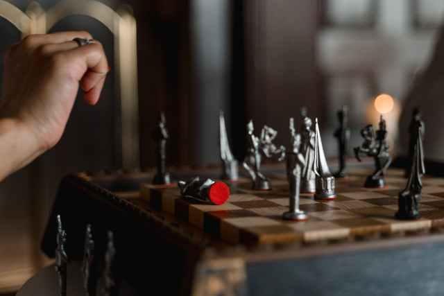 Modalități importante de a-ți îmbunătăți abilitățile de gândire strategică sah