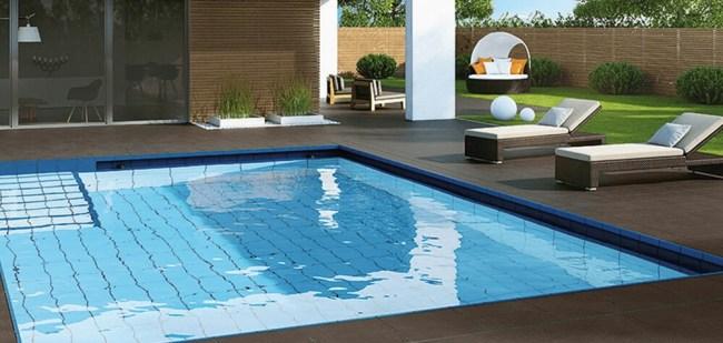 piscina din curte