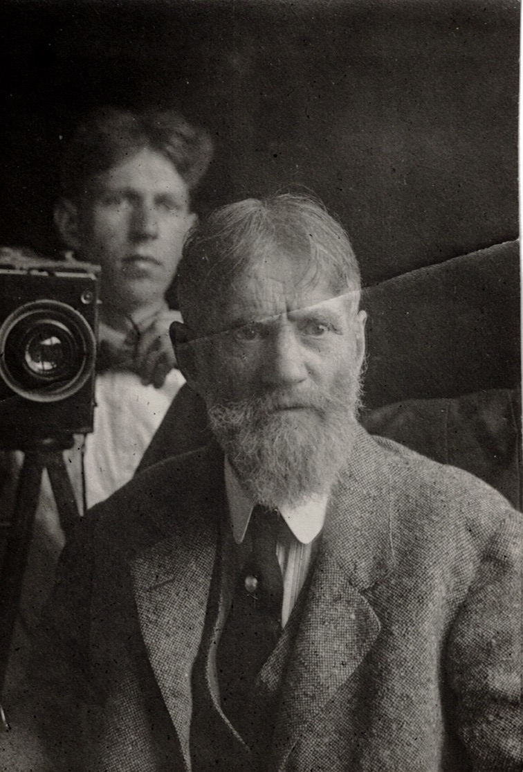 Emil Carlsen : Photograph of Emil & Dines Carlsen, ca.1920.