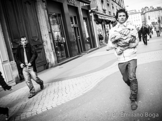 """emiliano boga"" ""street photography"" ""lyon street"" ""fotografo milano"" ""foto lione"" ""lyon photo"" ""appearances and barriers"" ""appearances"" ""barriers"" ""boga"""