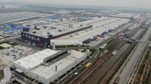 Tesla reduce las emisiones de sus fábricas