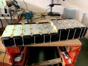 Montando nueva batería LG de 64 kWh