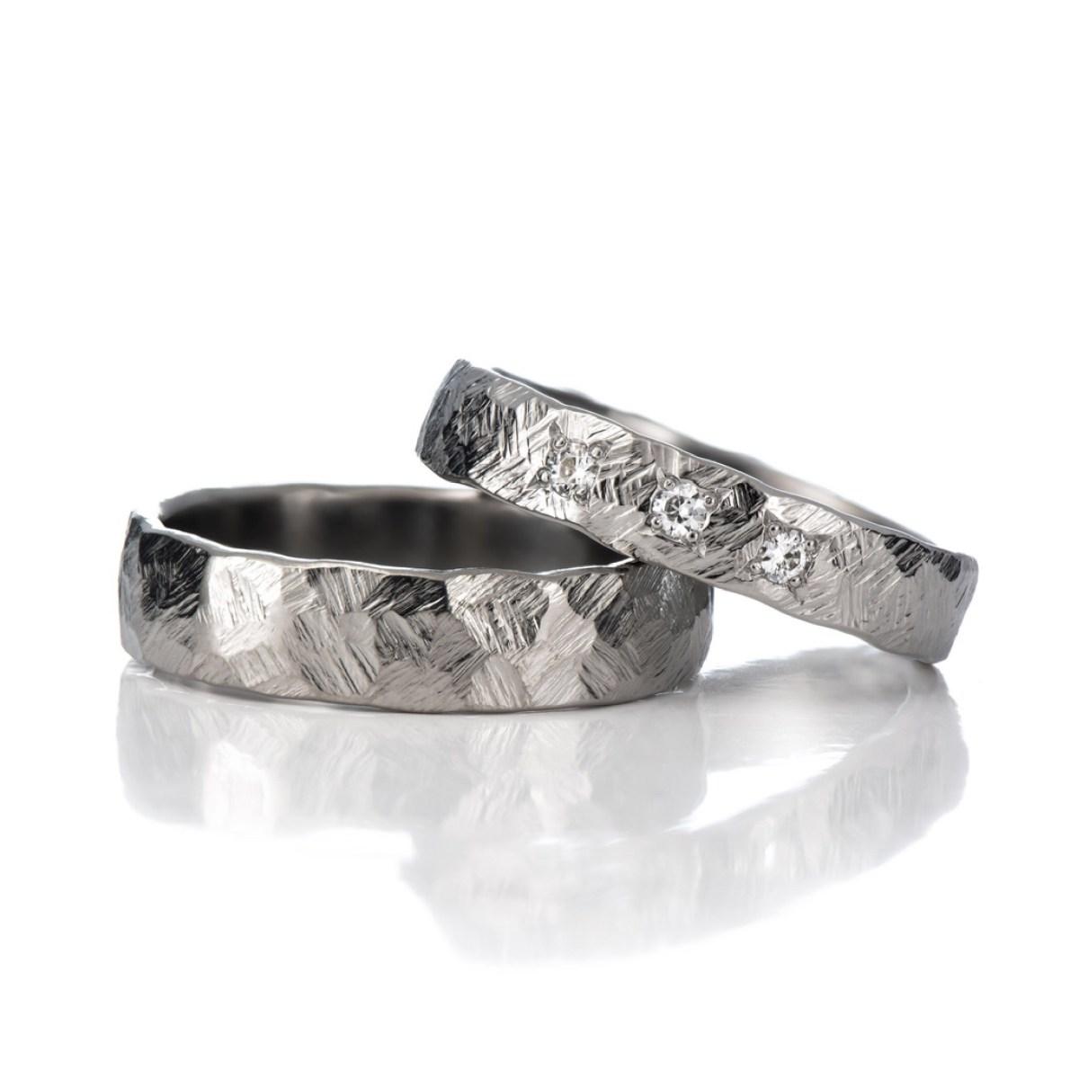 Taotut sormukset Kallio, titaani ja moissaniitti