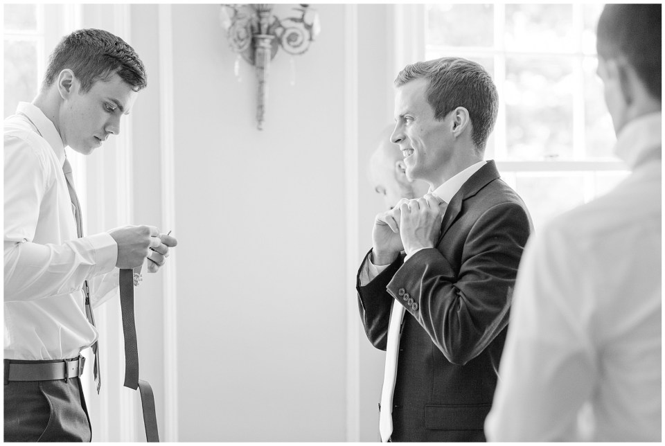 raspberry-plain-manor-wedding-getting-ready-photo