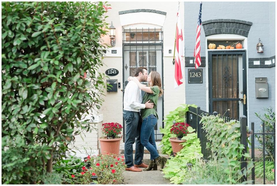dc-neighborhood-engagement-photographer-photos-9.jpg