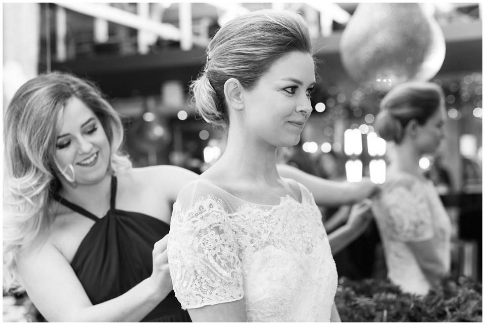 winter-georgetown-wedding-photographer-city-tavern-club-wedding-photos-13.jpg