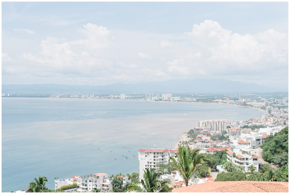 Puerto-vallarta-bay-banderas-cliffside-villa-photo