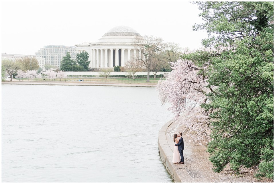 thomas jefferson tidal basin cherry blossom engagement photo