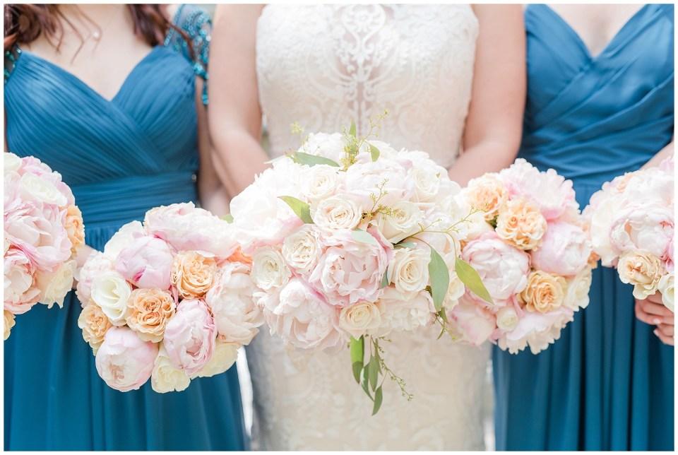 airlie-virginia-spanish-steps-wedding-bouquet-photo