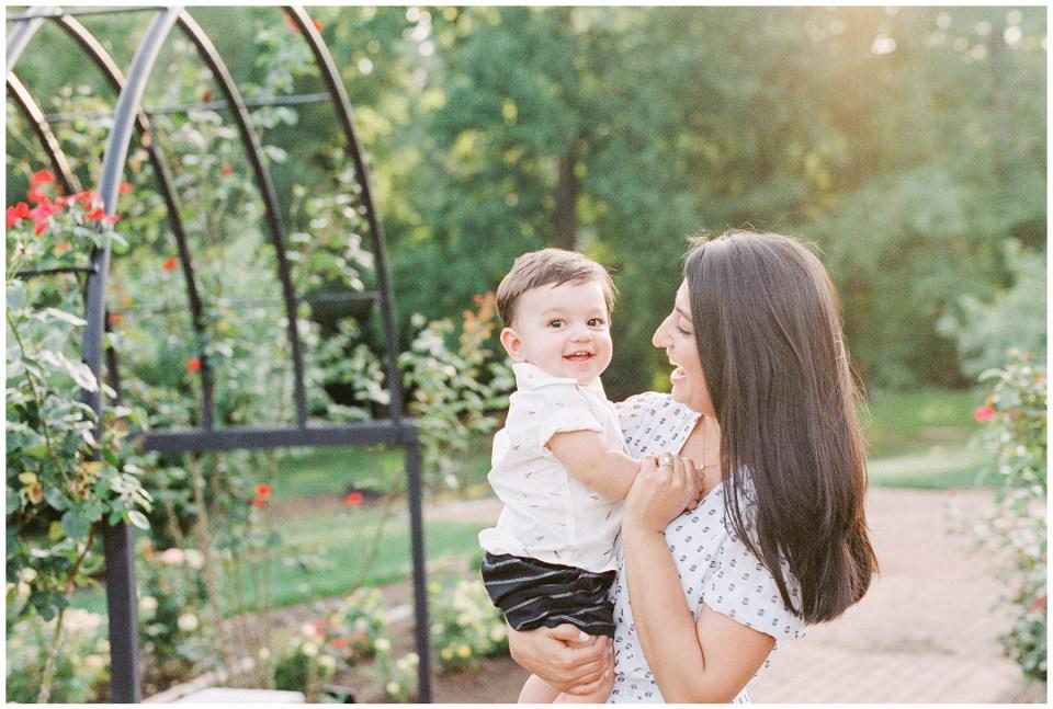 bon-air-rose-garden-park-family-photo