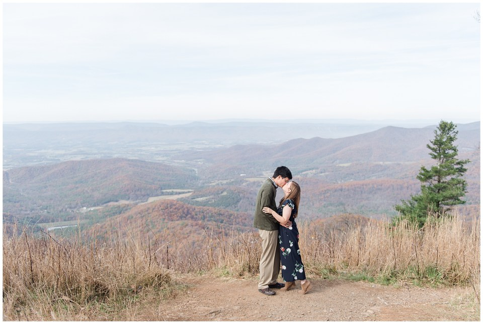 northern-virginia-mountain-engagement-photo