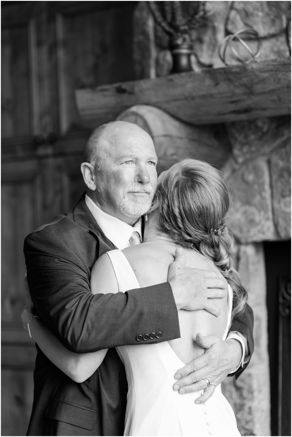 father daughter first look wedding photo