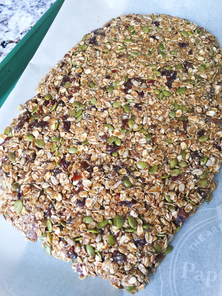 How to bake your own healthy granola bars