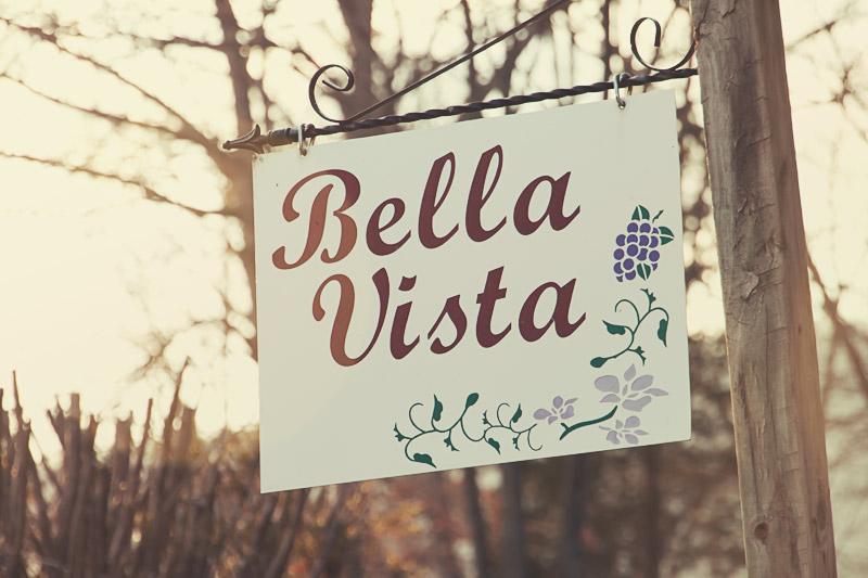 Bella Vista cottage sign