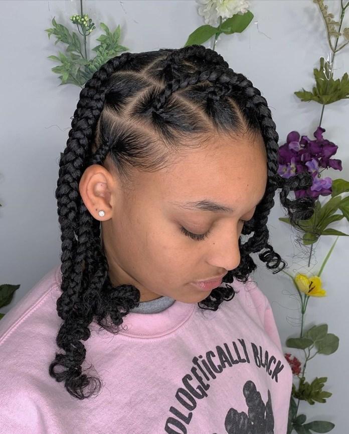 Short jumbo knotless braids