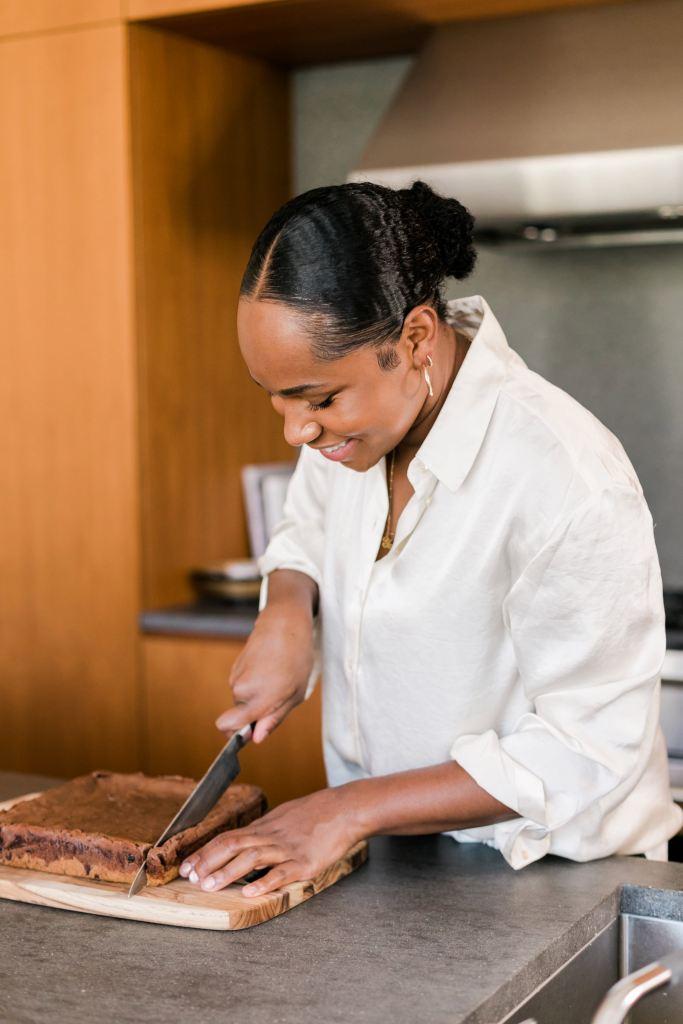 Lara cutting cookies for Fleurs Et Sel