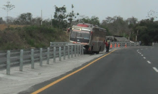 Bus crashed into guardrail