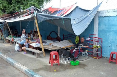 Makeshift post-earthquake camp - Manta Ecuador
