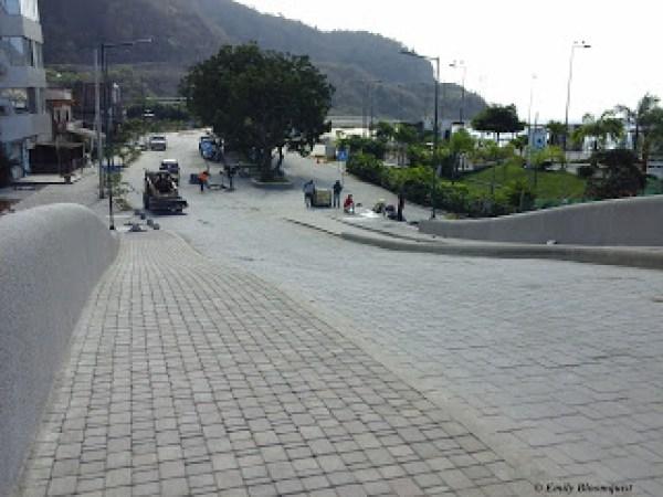 Puerto Lopez malecon bridge