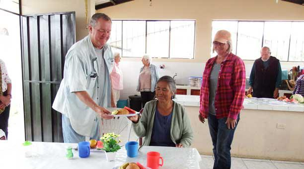 Cotacachi expats assisting seniors