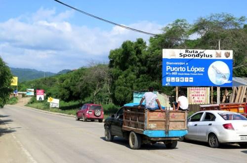 Welcome to Puerto Lopez, Ecuador sign