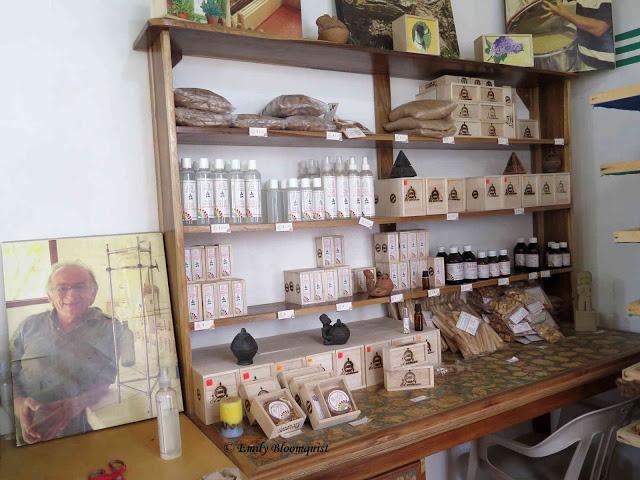 Palo Santo store in Luis Gencon neighborhood