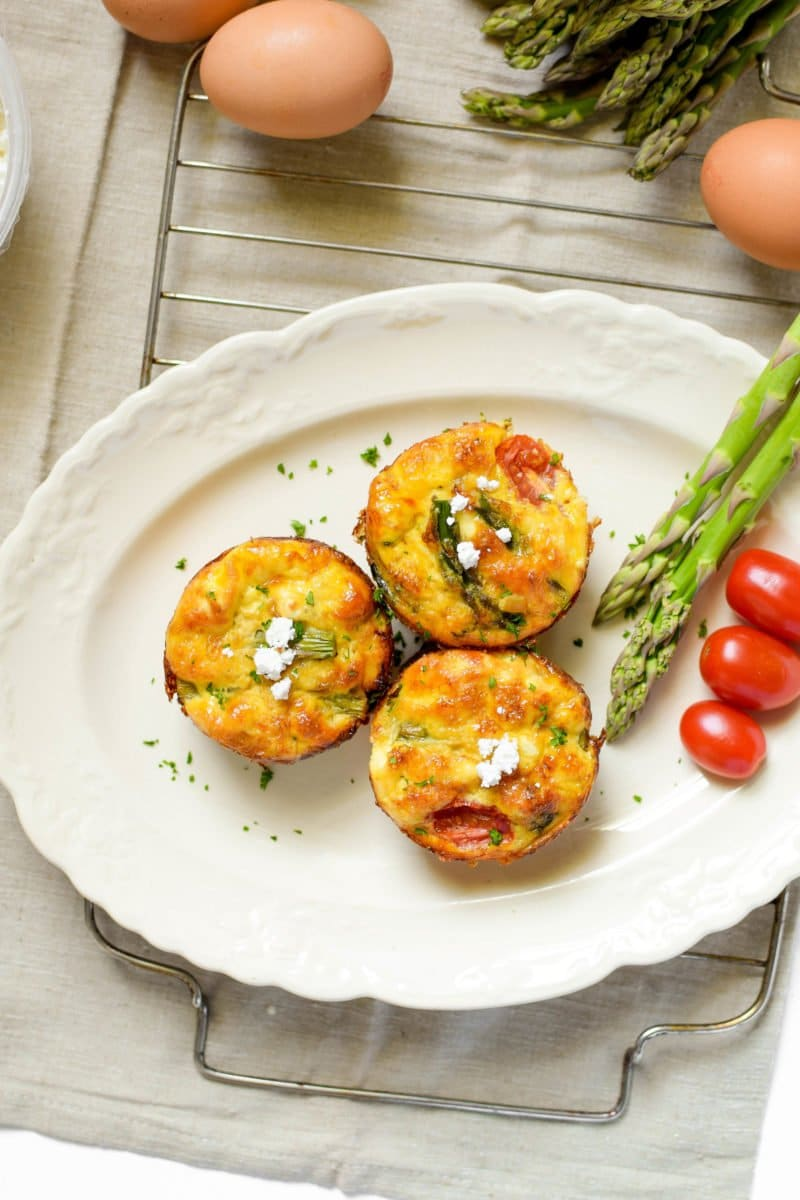 Learn how to meal prep a traditional Veggie Lovers Crustless Quiche for the week, plus 12 mini quiches to keep in the freezer, so you can ensure you have a healthy breakfast all month long - in less than 1 hour!