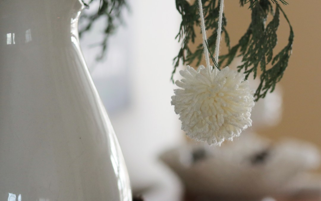 Winter decorating with… pompoms?