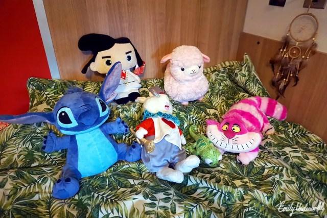 disney-toys-bed