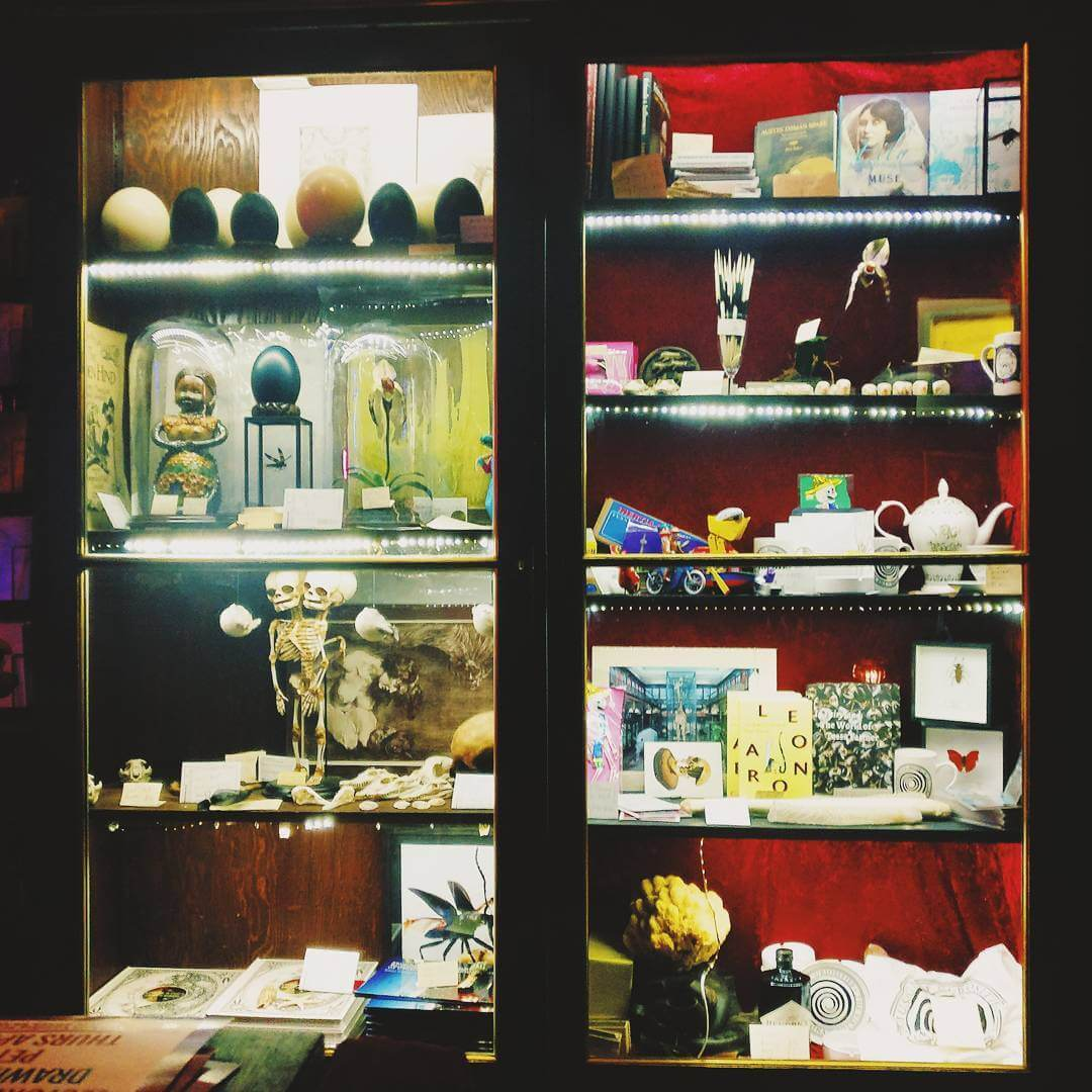 The Viktor Wynd Museum of Curiosities / Last Tuesday's Society Cocktail Bar is awesome ️