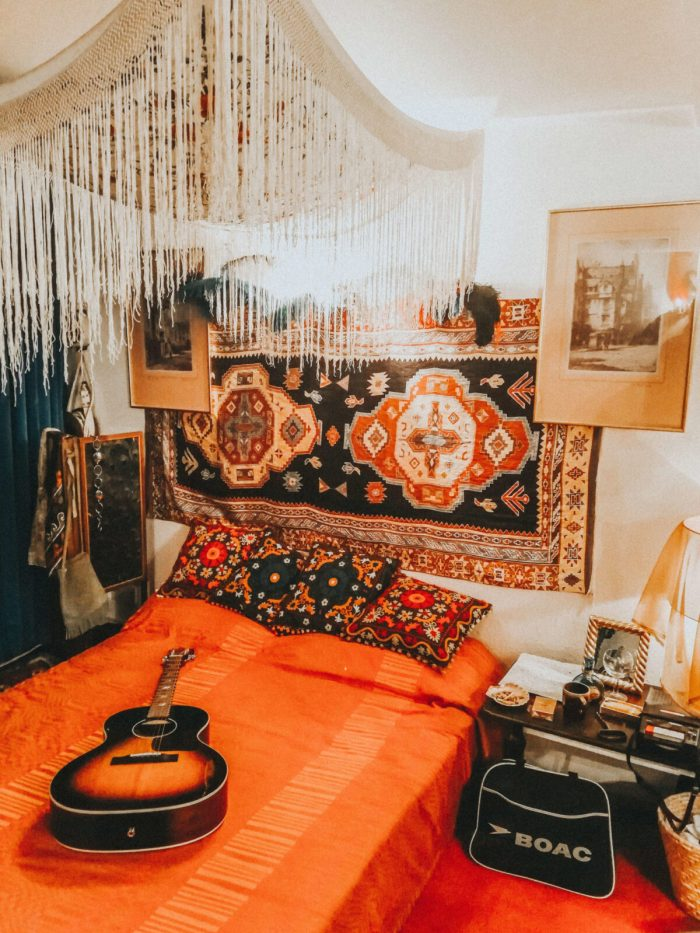 Exploring Mayfair: Handel & Hendrix in London. Jimi Hendrix's Bedroom
