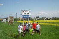 Emin da Silva mit den Läufern am Zielort Rimavska Sobota.    (Foto: FR)