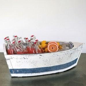Boat shaped ice bucket