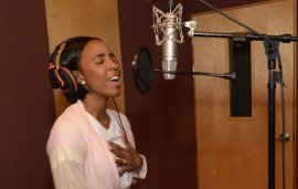 Kelly Rowland Invites You To Star In Her Official Fan Video