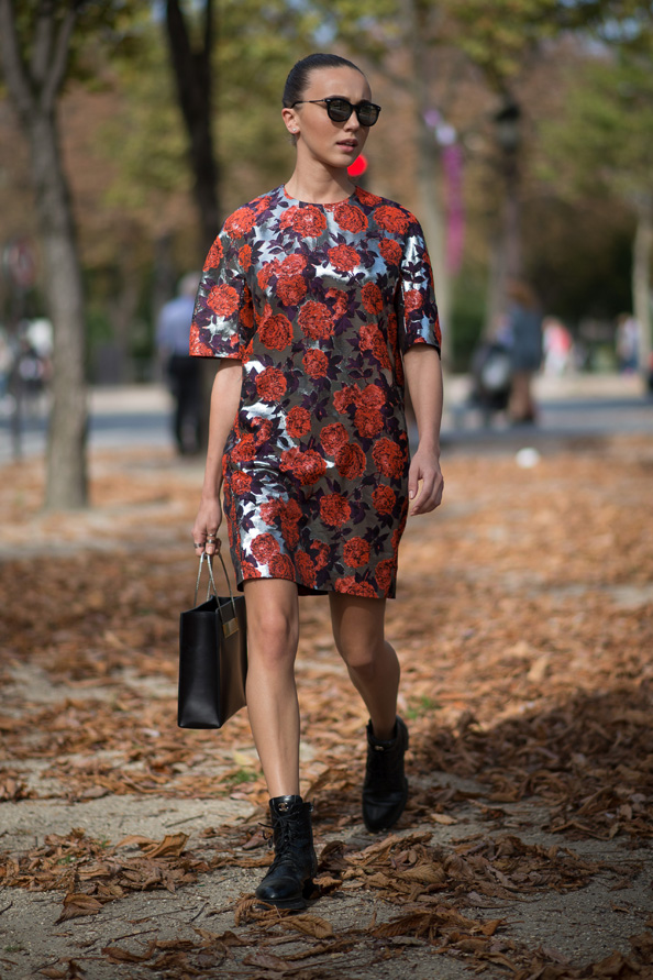 Mary Leest wears a dress from MSGM, Chanel shoes and a Balenciaga bag.