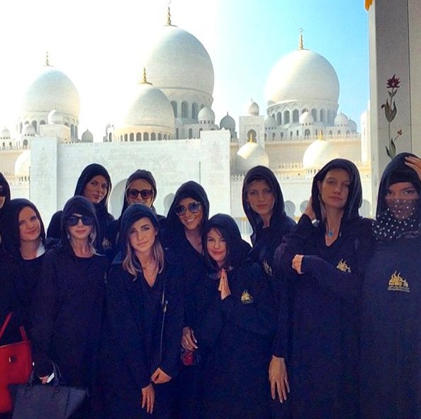 The group where all in awe of the beauty of the Sheikh Zayed Mosque in Abu Dhabi.