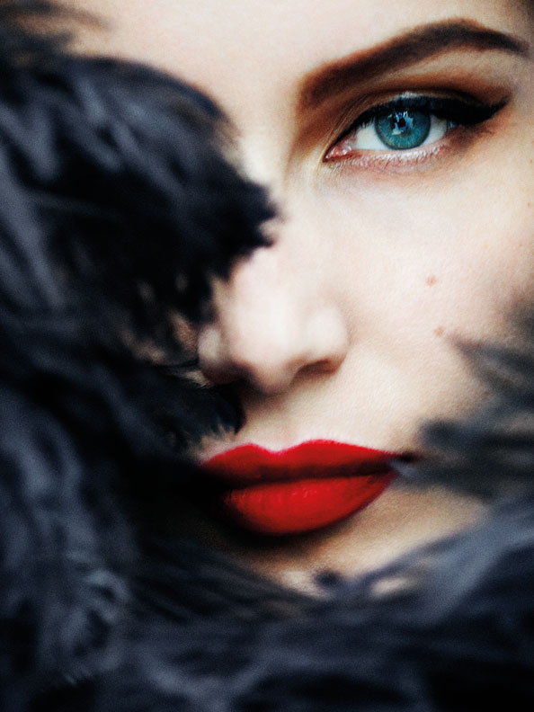 Laetitia-Casta,-Paris,-Vogue-Paris,-2012 mario testino dubai
