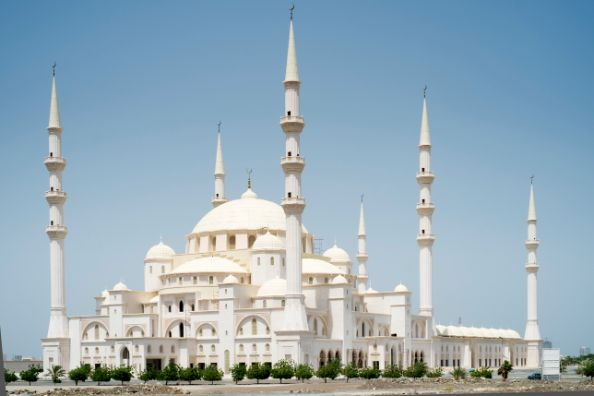 21 Unique Mosques In The UAE – Emirates Woman