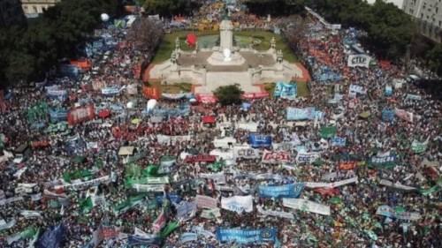 Reforma previsional: Los gremios convocan a movilizar el lunes