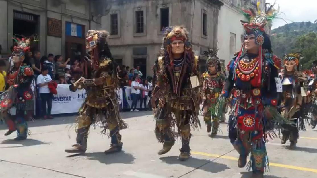 Video Viral Desfiles Quetzaltenango