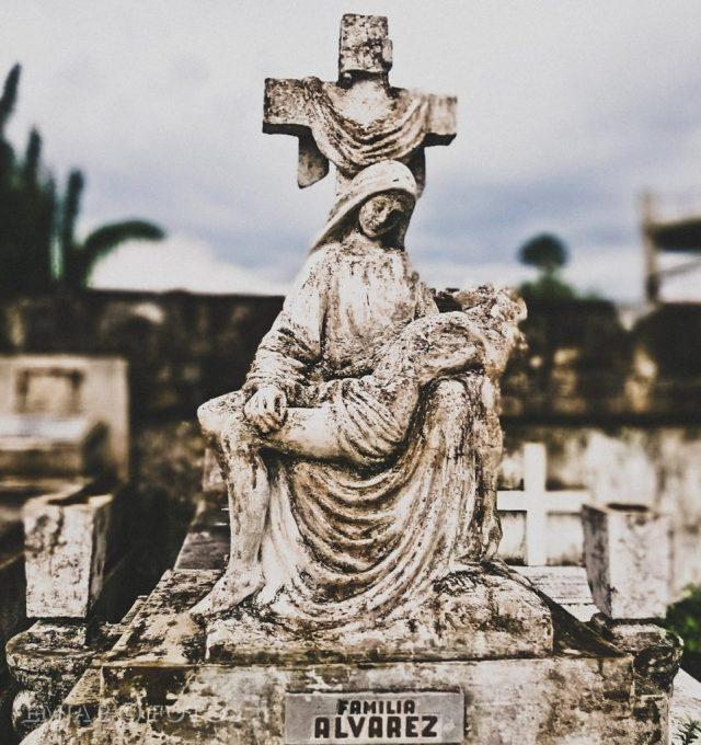 Alvarez CemenTOURyo Cebu Cemeteries Tour